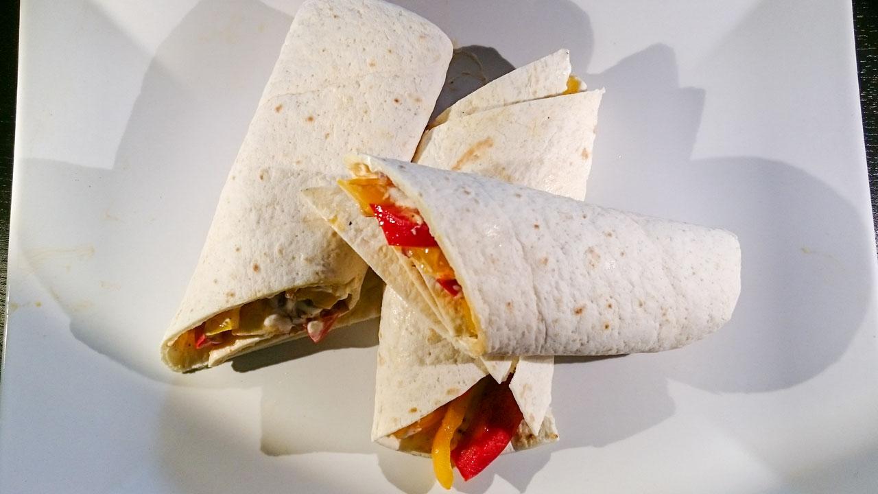 Wrap mit Paprika und Frischkäse mit Aprikosennote
