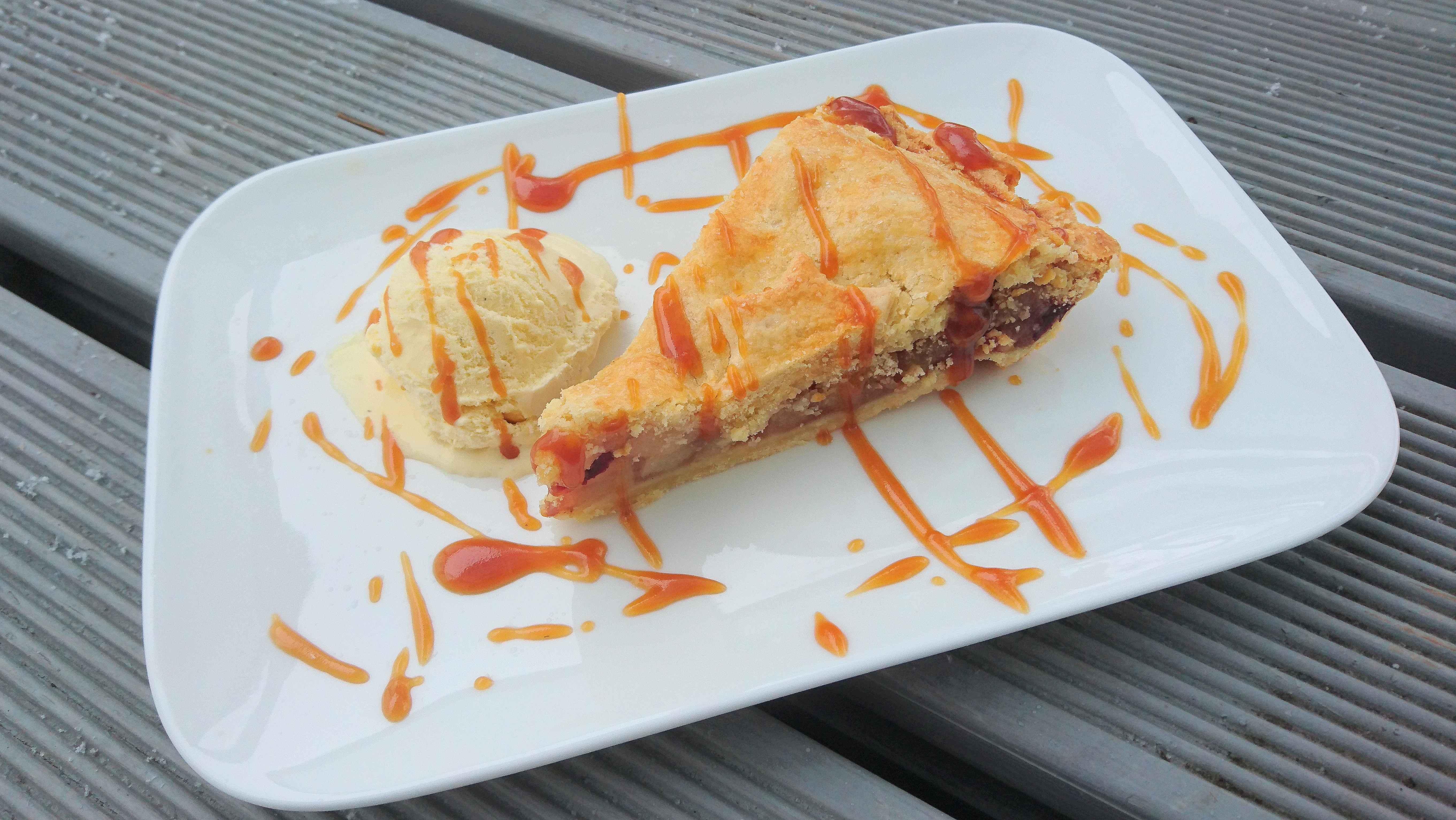 Apple Pie mit Karamellsauce