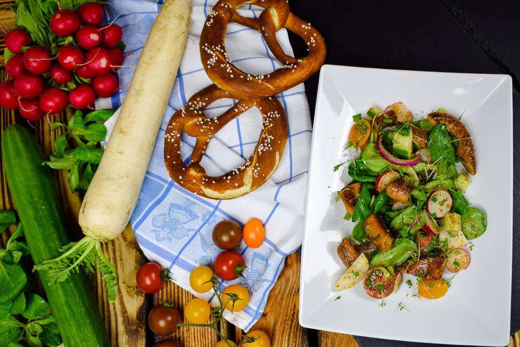 Bayerischer Brezensalat