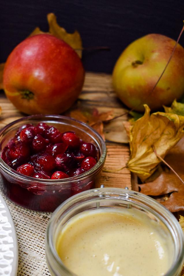 Apfelpuffer mit Vanillesauce