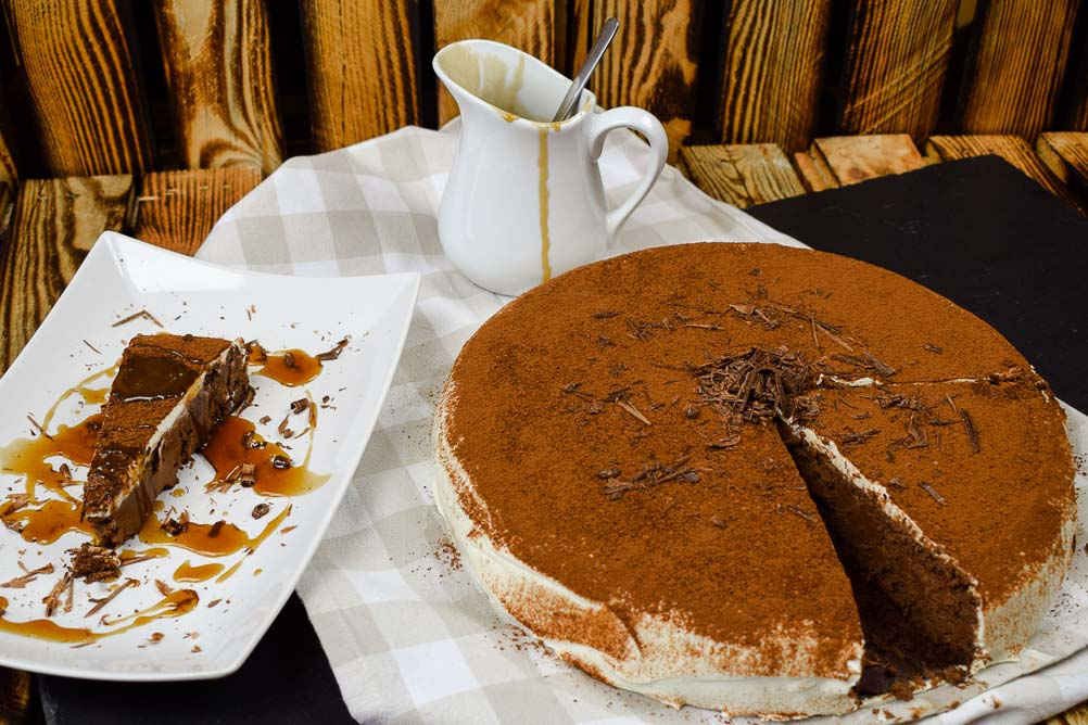 Chocolate Stout Cheesecake mit Salted Caramell Sauce