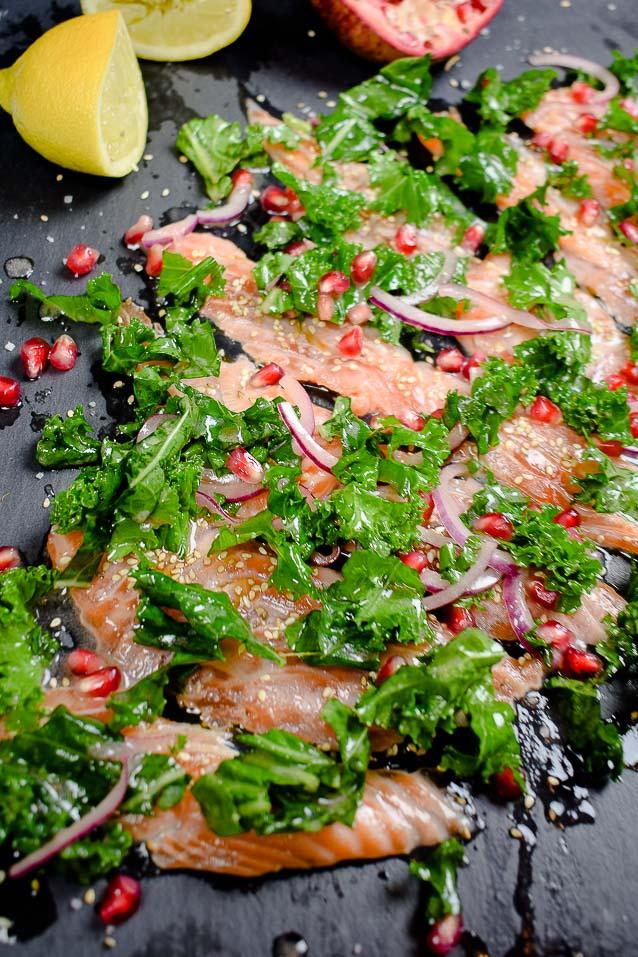 Lachs Sashimi mit Grünkohl