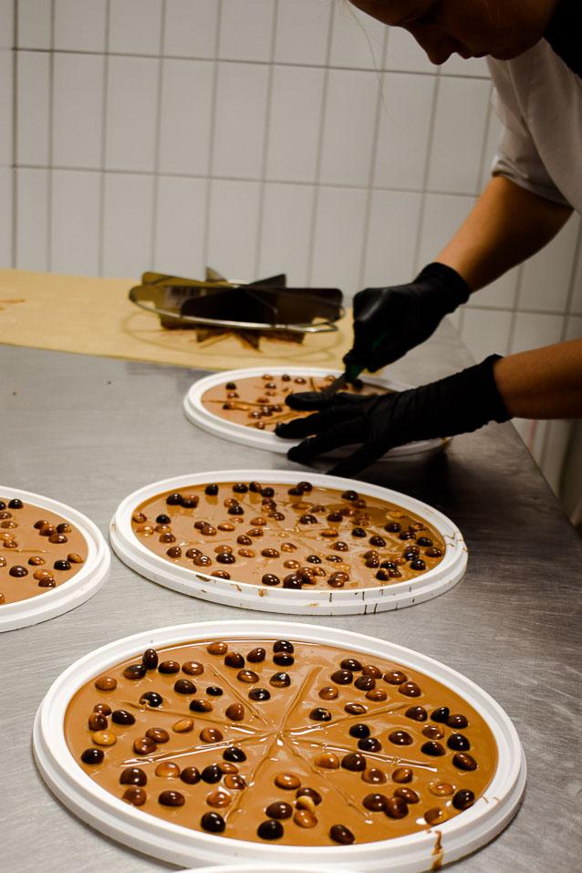 Schokopizza - Handgeschöpfte Schokolade - Zu Besuch bei der Schokoladenmanufaktur Sauerland
