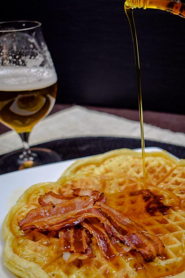 Bier-Waffeln - Amerikanische Art - mit Bacon und Ahornsirup