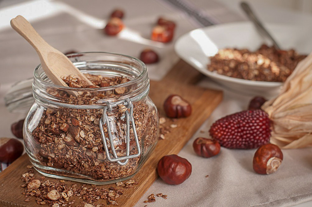Kokos-Mandel-Granola mit Kakao