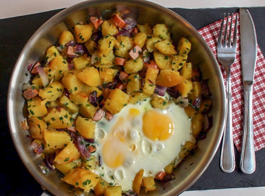 Deftiges Bauernfrühstück