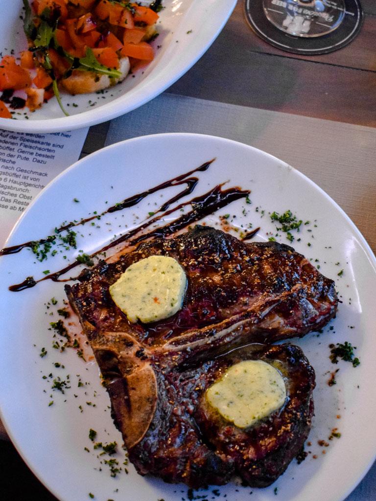 Das Porterhouse in Dortmund - T-Bone Steak (Porterhousesteak)