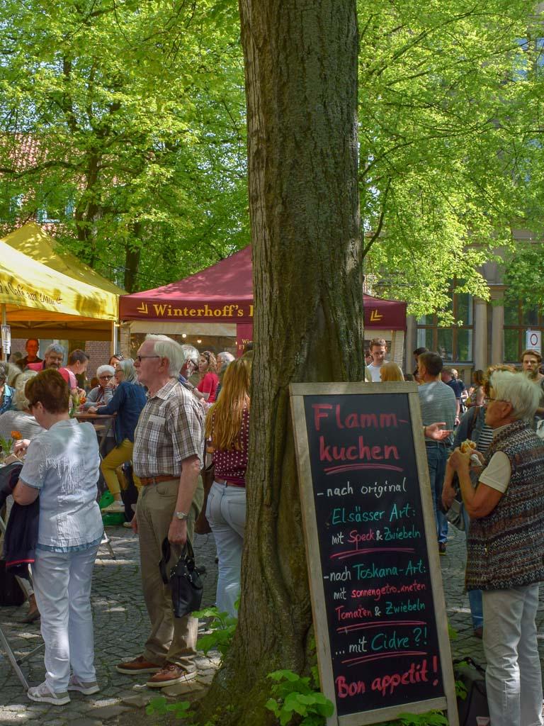 Das Markttreiben ab Mittag - Markt am Dom in Münster