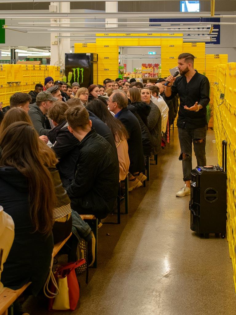 METRO Azubi-Day 2019 - Dortmund Oespel - Gast Philipp Schneider bei seiner Rede